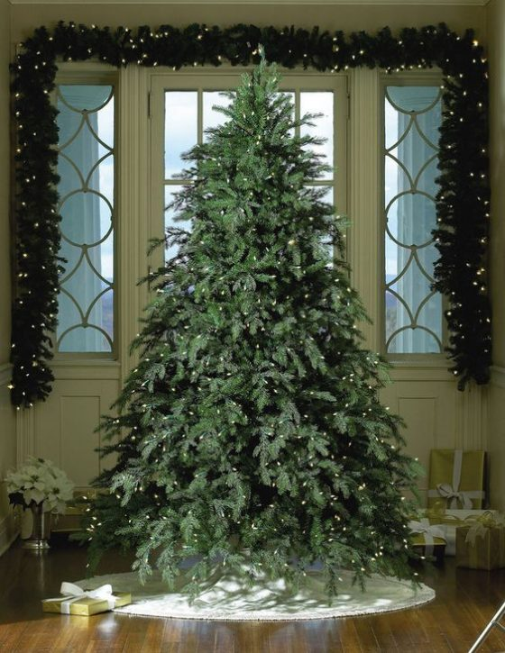 2016] Best Heavy Duty Rotating Christmas Tree Stands (with images ...
