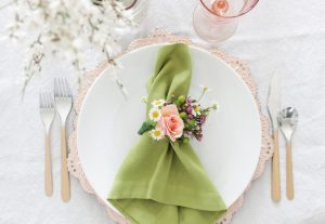best heavy duty plastic plates for a wedding - bulk sale