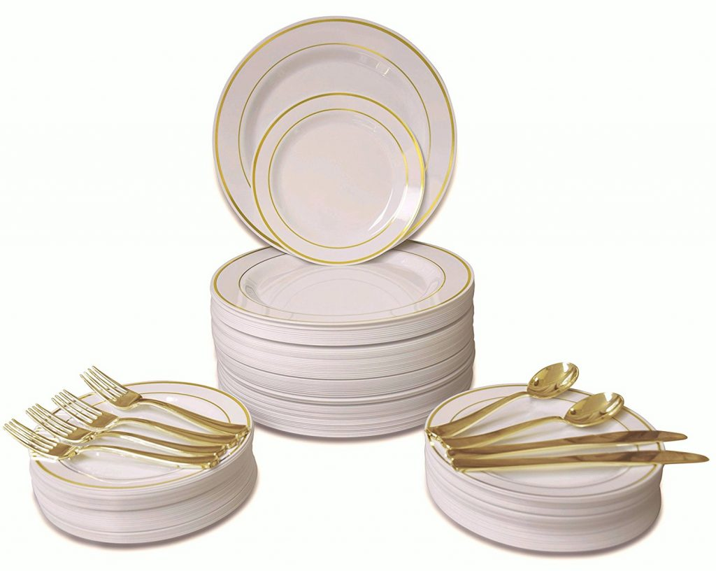 ivory-plastic-plates-for-a-wedding